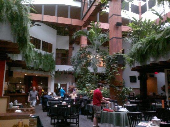 Balmoral Hotel: Restaurant del Hotel