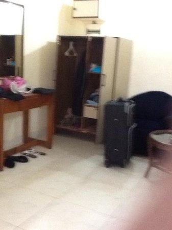 Kamat Holiday Homes : Furniture