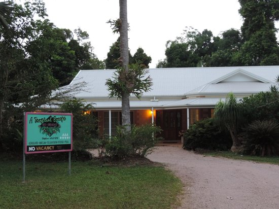 A Tropical Escape B&B: The property