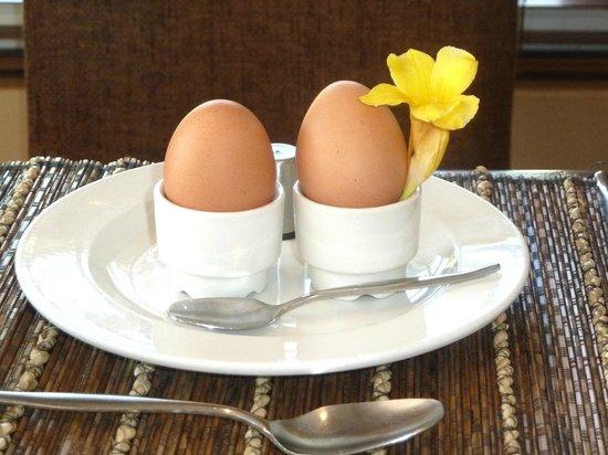 Plumwood Inn: Boiled eggs to order, lovely breakfast