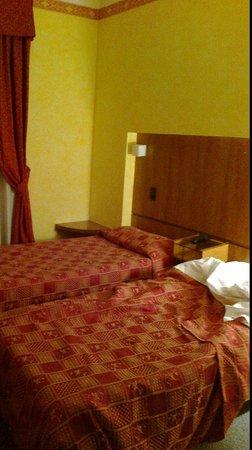 Hotel Gamma: camera