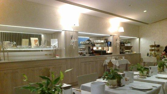 Hotel Gamma: sala colazioni