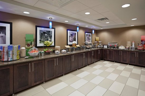 Hampton Inn Sioux Falls: Breakfast Area