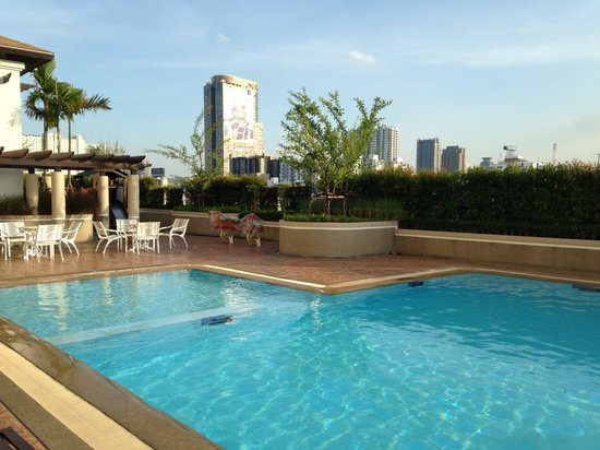 B.U. Place Hotel Bangkok: swimming pool