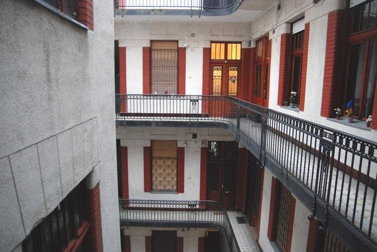 Ferenciek Tere Apartments: Building