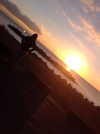 Discovery Park: waiting for the sun to rise with my sister who just came from Philippines to visit  us.