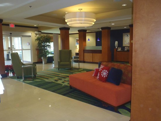 Fairfield Inn & Suites Titusville Kennedy Space Center: Lobby Entrance