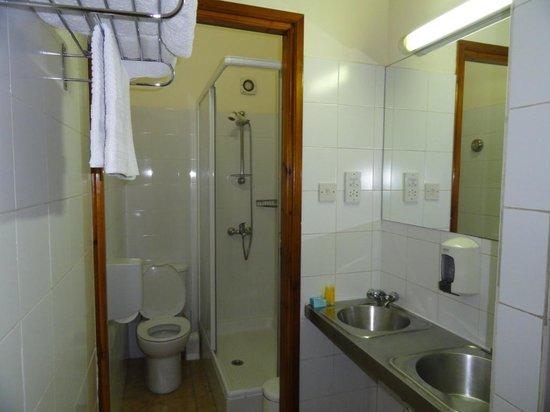 Tuck Inn: Bathroom