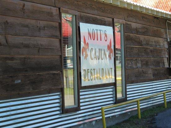 Nott's Corner: Nice Cjaun experience in Lake Arthur