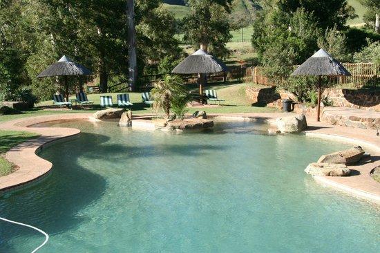 Montusi Mountain Lodge: Pool