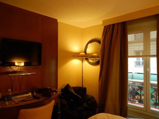 Renaissance Paris Vendome Hotel: Room 106