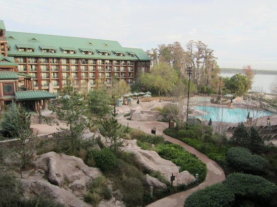 Disney's Wilderness Lodge: Excellent view from our balcony