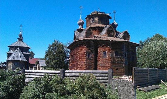 Museum Of Wooden Architecture & Peasant Life: Преображенская церковь после пожара в июле 2011