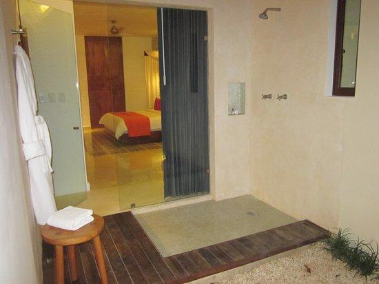 Koox Casa de las Palomas Boutique Hotel: Open Air Shower