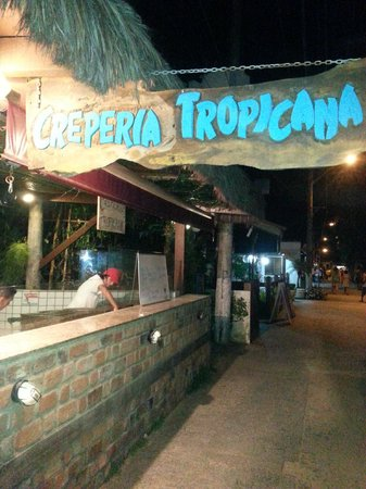 Pousada Tropicana: Faixada da Creperia