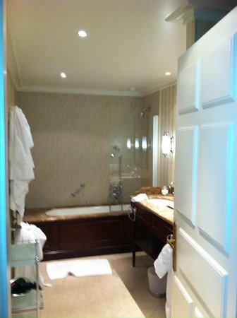 Hotel d'Angleterre: Exclusive Lake View - Room 125