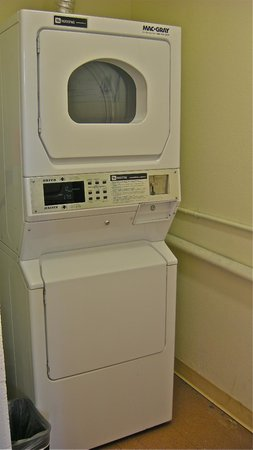 Americas Best Value Inn Pendleton: Guest laundry