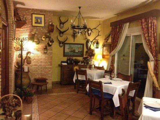 Hotel La Finca Mercedes: Comedor