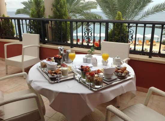 IBEROSTAR Grand Hotel Salome: Gourmet breakfast on the balcony - magic