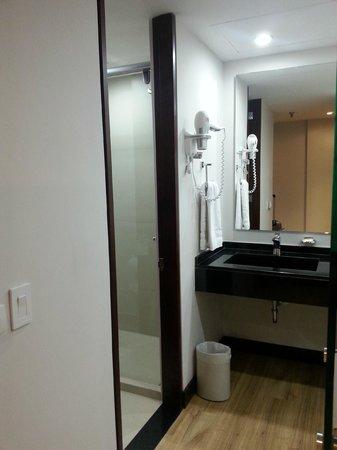 NH Collection Bogota WTC Royal: Banheiro - Suite 605