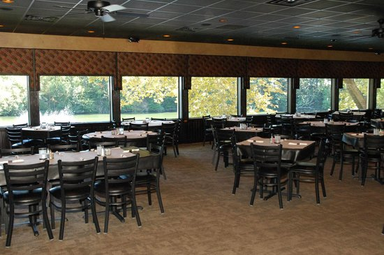MJ's at Buttonwood Manor: Our new expanded dining room