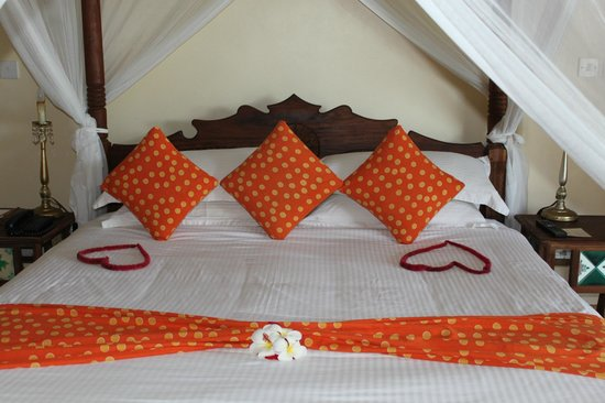 Neptune Pwani Beach Resort & Spa : chambre