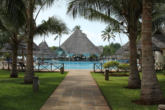 Neptune Pwani Beach Resort & Spa : piscine