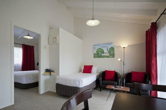 Rosetown Motel: Living area of one bedroom unit