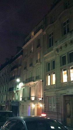 Hotel Arioso: Nighttime view of the beautiful Arioso Hotel