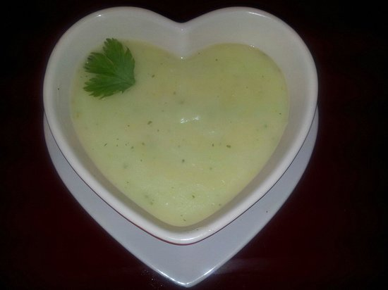 Katie's Kitchen: Homemade leek and potato soup!