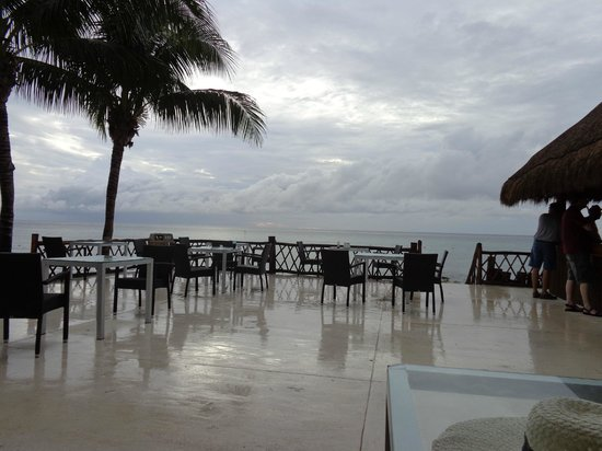 Sunscape Sabor Cozumel: El restaurant junto al bar, las hamburguesas exquisitas