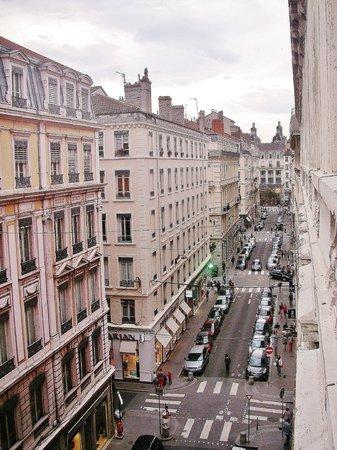 Hotel des Celestins: rue des archers, vers la rue de la république