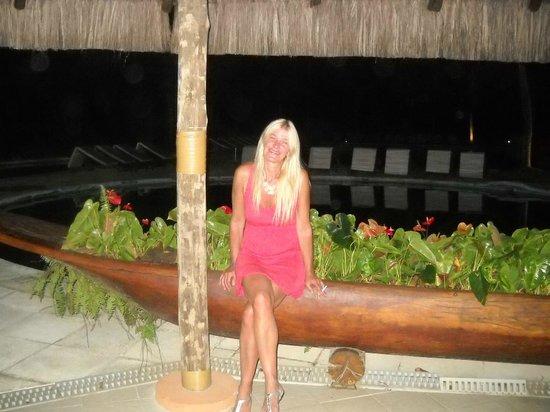 Tivoli Ecoresort Praia do Forte: En la pileta (una de ellas) a la salida del restaurante