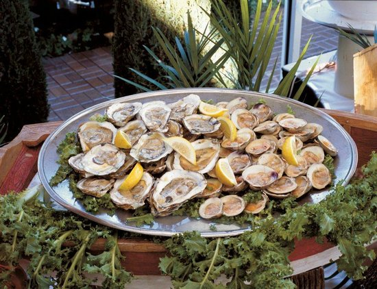 Mamma Lombardi's Restaurant: Clams on the Half Shell