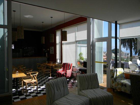 Ultramar Hotel: El salón de estar y área de desayuno