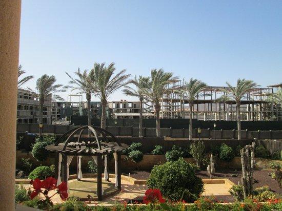 Gran Hotel Atlantis Bahia Real: Bauruinen