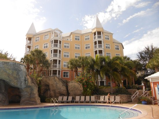 Hilton Grand Vacations at SeaWorld : One of the Hilton Grand Buildings