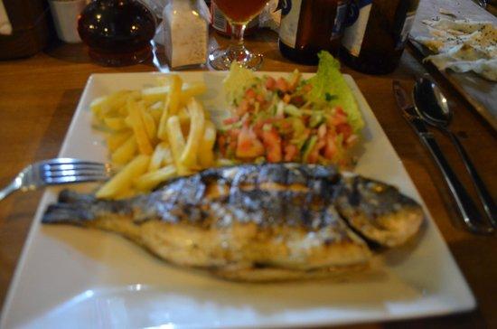 Sefin Yeri Restaurant : Bardzo pyszna rybka, polecam.