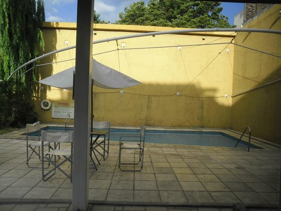 Maue apart hotel : Pileta climatizadda al aire libre