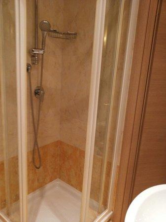 Doccia Hotel Galileo Roma