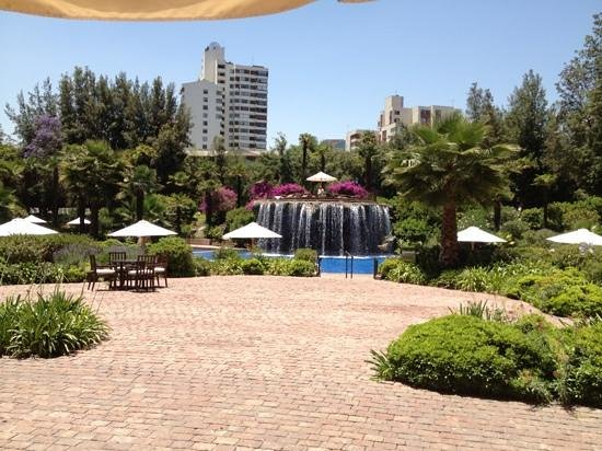 Hotel Santiago: View of the pool area at the Hyatt.