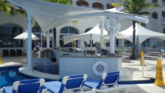 Cozumel Palace: Pool bar