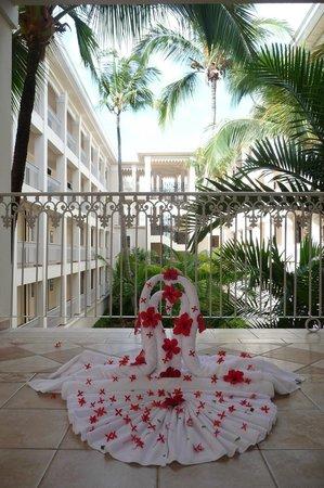 Hotel Riu Palace Punta Cana: Arreglos en los pasillos