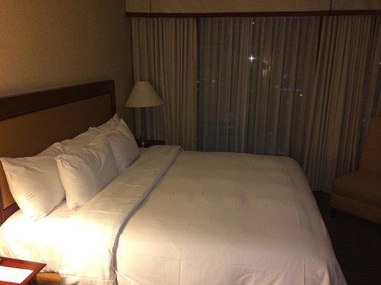 Hilton Vancouver Airport : Comfy Hilton Bed