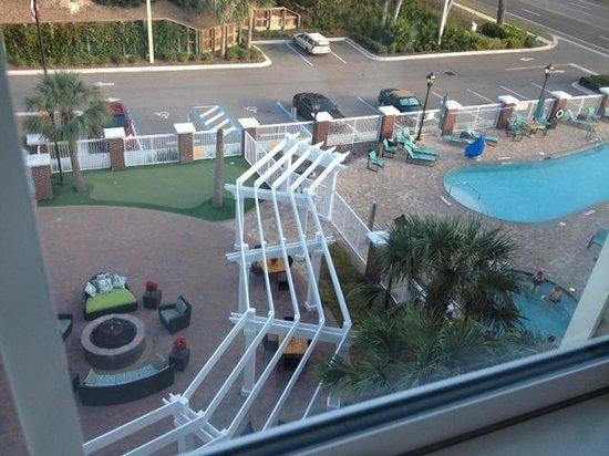 Residence Inn Amelia Island: pool, courtyard