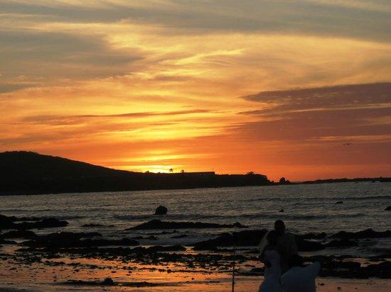 Pueblo Bonito Emerald Bay: Sunset from the beach