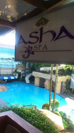 Queen Margarette Hotel: Spa Pool