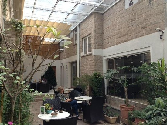 No.6 Crystal Garden Hotel: Outdoors but covered terrace