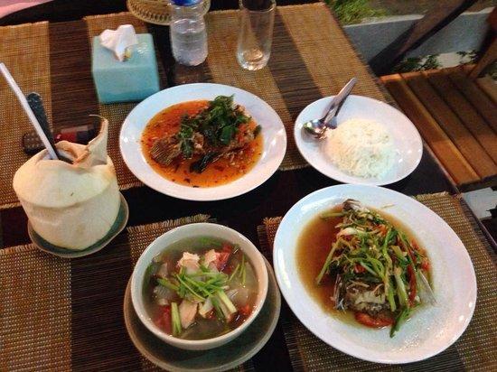 rct restaurant: Yummy Thai food