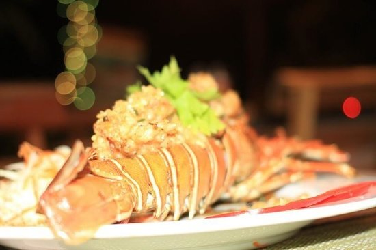 rct restaurant: Lobster with fried garlic